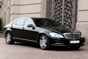 Hire Mercedes S w221 black with driver