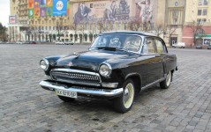 Gaz-21 Volga black and white. Classic car hire with a driver in Kharkiv
