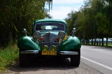 Mercedes-Benz 540. Classic car hire with a driver in Kharkiv